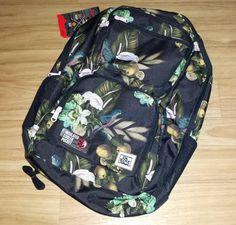 Im Dakine-Shopwerden eine Vielfalt hochwertiger und exklusiver Taschen und Rucksäcke angeboten. Das Angebot vom Dakine-Shop umfasst neben Taschen und Rucksäcken auch funktionelle und trendige Spor…