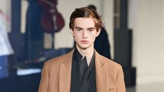 Valentino Continues the Bold Men's Beauty Movement Bronze Hair, Male Makeup, Be Bold, Male Beauty, Flowers In Hair, In Hollywood, Coachella, Harry Styles, Nice Dresses
