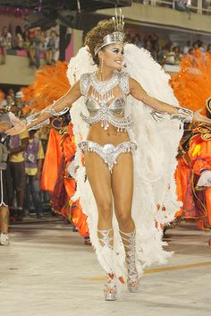 Carnaval 2012 - Sophie Charlotte do Salgueiro, no Sambódromo do Rio de Janeiro.