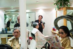 特首選舉是香港近日最熱門的話題,而幾位候選人之中,又以曾俊華的照片最多、最搶眼,我們有幸與其團隊背後的攝影師團隊 ATUM Images 進行訪問,也會分享一些從未曝光予公眾的幕後照片。 Coat, Jackets, Fashion, Tuna, Down Jackets, Moda, Sewing Coat, Fashion Styles, Peacoats