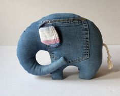 Left Pocket Elephant stuffed toy for kids por andreavida en Etsy