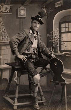 A typical Bavarian Lederhosen suit.this lovely vintage photo is absolutely beautiful and the look is still worn today. Vintage Photographs, Vintage Photos, Vintage Stuff, Sven Bender, German Men, Photos Originales, German Fashion, Folk Costume, Costumes