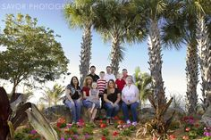 Tips for taking photos of large family groups during the Family Posing, Family Portraits, Family Photos, Posing Families, Face Photography, Family Photography, Photo Tips, Photo Poses, Posing Tips