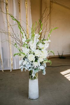 Photography by kaylaadams.net Floral Design by maranathaflowers.com/  Read more - http://www.stylemepretty.com/2013/08/01/riverside-wedding-from-kayla-adams/