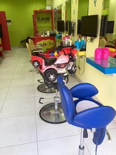 Was walking my 2-year old son down to the Limassol beach when his gaze turned and wouldn't turn any other way! He was looking at what evidently seemed like a hair salon for kids. What I've learnt: (1) define your target market, (2) design your product or service in a way that is appealing to your target market (so they keep their 'gaze' on you!), (3) we are living in the age of specialisation (differentiate or die). #MVirardi #kidscut