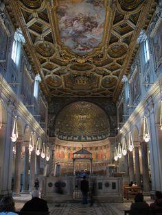 L'interno della Basilica di San Clemente al Laterano, Roma