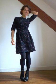 Lathelize: Feu d'artifice- une robe de fête - old school teacher dress ottobre 2011/5 Robe Diy, Teacher Dresses, Diy Dress, Diy Clothes, Diy Fashion, Old School, Pattern, Moon, Vintage