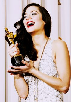 "Marion Cotillard ✾ winning the Oscar for Best Actress in a Leading Role for ""La Vie en Rose"" at the Annual Academy Awards, 2008 Academy Award Winners, Oscar Winners, Academy Awards, Marion Cotillard, A Very Long Engagement, Miranda Cosgrove, Brenda Song, Woman Movie, Jennifer Connelly"