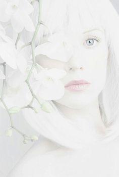 Pale White, White Light, Black And White, Elfa, The Last Unicorn, Midsummer Nights Dream, Mind Body Spirit, Angels And Demons, White Aesthetic