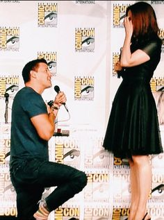 Booth proposes to Brennan (Comic-Con 2013)