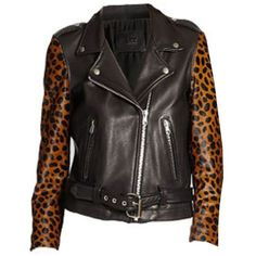 Laer 'Shrunken Cheetah Crop Sleeve' ❤ liked on Polyvore featuring tops, long-sleeve crop tops, cheetah print top and cheetah top