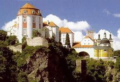 Vranov nad Dyjí, Czech Republic Beautiful Places In The World, Wonderful Places, Naval, Medieval Castle, Central Europe, Eastern Europe, Natural Wonders, Palaces, Czech Republic
