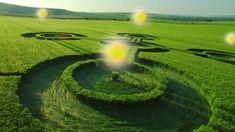 Ving UFO's lichte ballen tijdens het tekenen van gewassencirkels deel 1