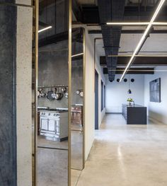 Image 1 of 17 from gallery of SieMatic-La Cornue Showroom / Levin Packer architects. Photograph by Amit Geron