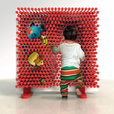 Pin Pres by OOO My Design is a fun and clever storage system with sliding rods. The concept is simple. Kids Room Shelves, Toy Shelves, Kids Shelf, Interactive Walls, Creative Storage, Storage Ideas, Creative Play, Cool Furniture, Kids Toys