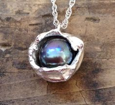 Water cast pearl cup pendant