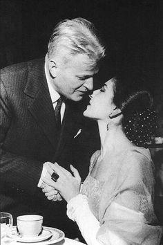 7 dicembre 1957 Circolo della stampa in compagnia del Maestro Gavazzeni dopo l'inaugurazione scaligera con Il Ballo in Maschera