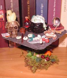Hexentisch für die Hexenstube