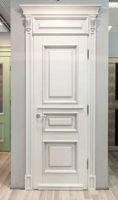 с входной дверью в квартиру можно сотворить что-то в этом роде.