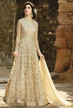 Buy a wide range of Party Wear Anarkali Suits Online Shopping, Anarkali dresses, designer anarkali salwar kameez. Pakistani Wedding Outfits, Pakistani Dresses, Indian Outfits, Bridal Anarkali Suits, Abaya Fashion, Indian Fashion, Fashion Dresses, Fashion Usa, Couture Fashion