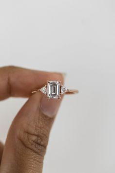 Emerald Cut Engagement, Beautiful Engagement Rings, Engagement Ring Cuts, Wedding Ring Emerald Cut, Unique Vintage Engagement Rings, Solitaire Engagement, Bling Bling, Wedding Jewelry, Wedding Rings