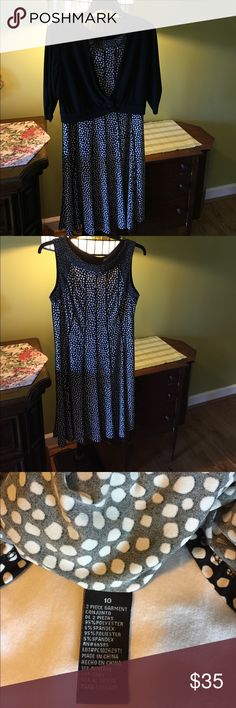 Two piece travel dress. Sleeveless no wrinkle great for traveling. No label Size 10 comes with matching jacket. Hardly worn and excellent condition. Purchased from BELK. Dresses