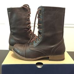 """NEW AEO RUGGED LACE FRONT BOOT SIZE 6.5 -BRAND NEW WITH BOX -SIZE 6.5 -COLOR: BROWN   -100% POLYURETHANE  -SMOOTH FAUX LEATHER -LACE UP SILHOUETTE  -REINFORCED HEEL, TOE -SNAP DETAILS  -SNAP DOWN PULL TABS -BACK ZIP -TREADED RUBBER OUTSOLE  -10"""" SHAFT HEIGHT -12"""" CIRCUMFERENCE   ⭐️TOP RATED SELLER FAST SHIPPER NEXT DAY SHIPPING ❌NO TRADE ❌NO PAYPAL ✅BUNDLE OFFER   WILL SHIP WITH ORIGINAL BOX  American Eagle Outfitters Shoes"""