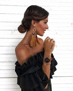 All about accessories ✌🏼 Party Fashion, Look Fashion, Fashion Outfits, Womens Fashion, Sparkly Outfits, Summer Outfits, Mexican Hairstyles, Looks Style, My Style