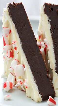 Peppermint Bark Brownies. A festive dessert for the holiday season - this is a must-try for holiday parties.