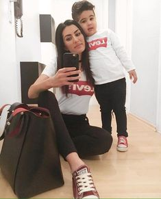Pin on Mi buduco y yo Pin on Mi buduco y yo Mom And Son Outfits, Matching Family Outfits, Baby Boy Outfits, Baby Boy Fashion, Toddler Fashion, Kids Fashion, Bag In Bag, Mommy And Son, Mom Son
