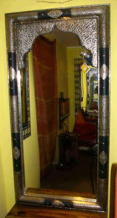 Specchio marocco (Decorazione pareti, Specchi Marocco) di Artigianato Vulcano, eCommerce specializzato nella vendita di articoli etnici, marocchini e orientali.