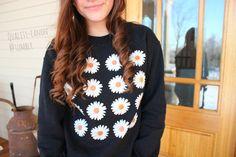 daisy sweatshirt.♡