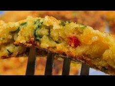 Omletă vegan - YouTube Mozzarella, Quiche, Cooking Recipes, Breakfast, Youtube, Food, Morning Coffee, Chef Recipes, Essen