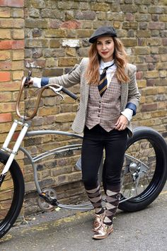 The London Tweed Run   Hello it's Valentine Cycle Chic, Hello It's Valentine, Retro Fashion, Vintage Fashion, Tweed Run, Retro Mode, Bicycle Girl, Tomboy, Polyvore Outfits