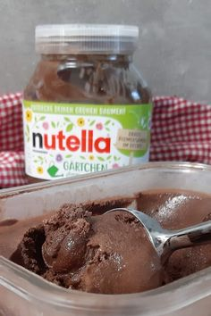 Making Nutella ice cream is easy. You only need 5 ingredients. ice cream by honeyloveandlik Make Ice Cream, Allrecipes, Deserts, Easy, Food And Drink, How To Make, Icecream, Blog, Fruit