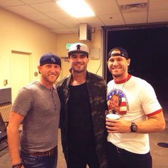 Holy crap Cole Swindell and Sam Hunt and Chase Rice all together in one pic! ❤️