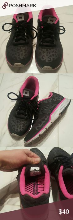 Nike Leopard shoes Barely used Nikes. Size 7. Very good condition. Prolly worn less than 10x. Nike Shoes Athletic Shoes