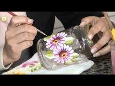 Pintura sobre vidrio Painted Wine Bottles, Painted Jars, Painted Wine Glasses, Hand Painted, Glass Bottle Crafts, Bottle Art, Bottle Painting, Mason Jar Crafts, Glass Art