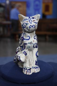 Walter Anderson Pottery Cat, ca. 1945 | Antiques Roadshow | PBS, $12,500 Auction – $17,500 Auction