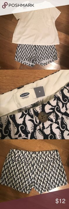 Navy and White Patterned Shorts from Old Navy These shorts and from Old Navy and are a size 8. They have a cute navy and white seahorse pattern (as pictured), which makes them a perfect addition to your summer wardrobe. They have only been worn a few times and are in great condition. Old Navy Shorts