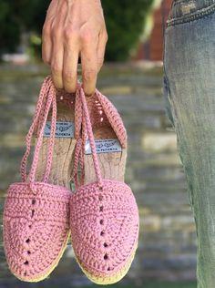 Summer Crochet by Santa Pazienzia. Alpargata Tangana, patrón en vídeo y mucho más.