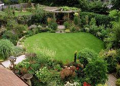 90 Lovely Backyard Garden Design Ideas For Summer garden design layout Circular Garden Design, Circular Lawn, Backyard Garden Design, Small Garden Design, Backyard Landscaping, Landscaping Ideas, Small Garden Layout, Small Garden Plans, Backyard Designs