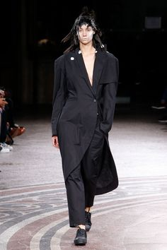 Yohji Yamamoto Spring/Summer 2017 Ready to Wear Collection