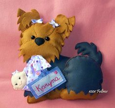 Ideas for cute felties - no patterns and not in English Handmade Christmas Crafts, Felt Christmas, Dog Crafts, Felt Crafts, Felt Dogs, Dog Ornaments, Animal Projects, Stuffed Animal Patterns, Felt Art