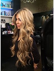 In the world of hair, there are many hairstyles that can be worn by a wide variety of hair types. Those who have long, curly hair can really try out some interesting styles with their beautiful loc… Long Curly Hair, Big Hair, Curly Hair Styles, Big Curls For Long Hair, Love Hair, Great Hair, Beautiful Long Hair, Gorgeous Hair, Blonde Hair Goals