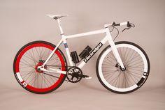 Electrolyte Flaschengeist: Sehr leichtes E-Bike mit 13 kg und Trinkflaschenakku - http://www.ebike-news.de/flaschengeist-leicht-e-bike-trinkflaschenakku/8453/