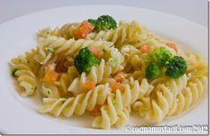 La receta de ensalada de pasta con verduras, es fácil, nutritiva y es excelente como primer plato, o para una cena ligera