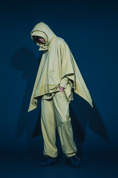 1T03_ Boat-necked Sweater/1H03_ Raglan Pullover/1O09_Hoodied Cloak/1P04_Splicing Track Pants