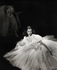 """""""Sometimes I dread the truth of the lines I say. But the dread must never show."""" -Vivien Leigh (via drmacro)"""