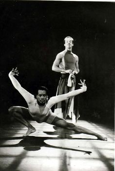 """Willi Ninja, dancer, choreographer, """"mother"""" of House of Ninja, & """"the Grandfather of Vogue."""" He appeared in Paris is Burning and Madonna's Vogue music video. Dance Art, Dance Music, Vogue Dance, Vogue Poses, Sylvia Rivera, Madonna Vogue, Paris Is Burning, Lgbt History, Male Ballet Dancers"""